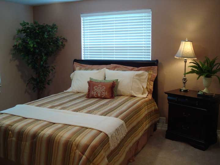Gallery of home staging photos by smith staging design for Staging master bedroom